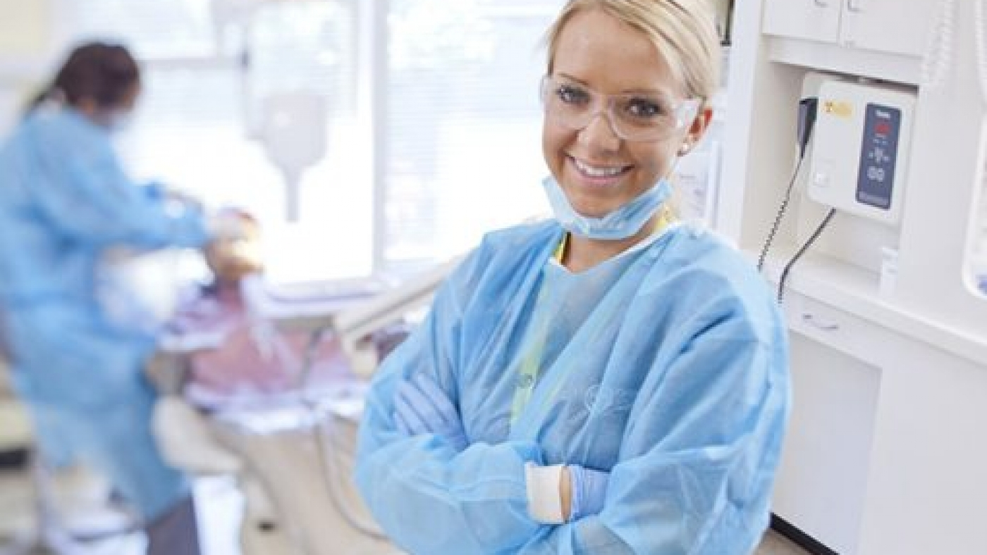 orthodontic-assistant-student